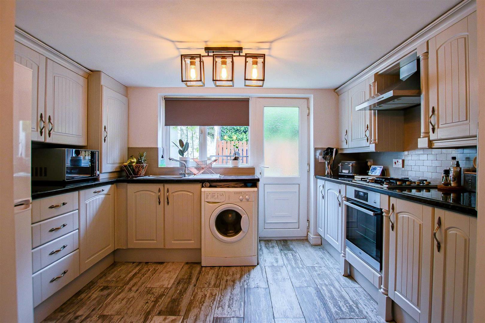 2 Bedroom Terraced Cottage For Sale - Image 3